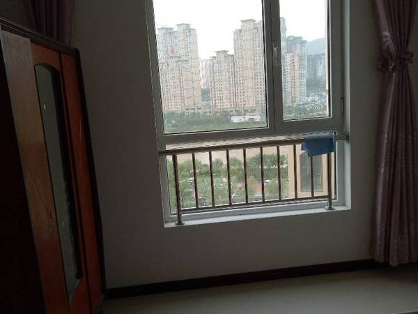 出租 其他小区 2室1厅1卫90平米1300元/月住宅